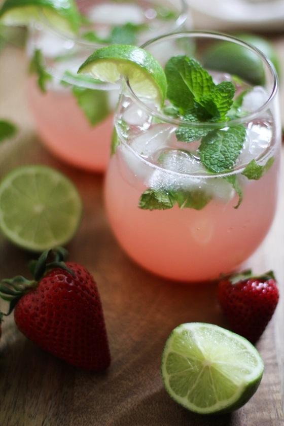 Strawberry_Rhubarb_Mint_Mojitos
